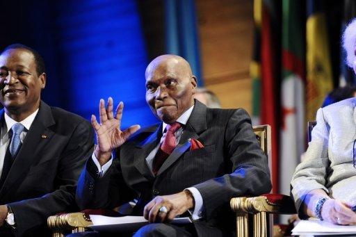 """Sénégal: nouvel appel à Wade à ne pas se représenter pour éviter """"le chaos"""""""