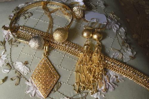 Un Sénégalais arrêté pour complicité de vol de bijou d'une valeur de 30 millions de francs