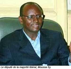 """CAN 2012 : Moussa Sy contre l'""""intrusion"""" des politiciens dans la sélection"""