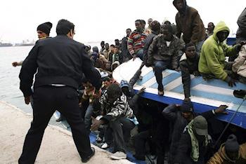 Fermeture des frontières, obtention difficile de visa, aide publique au développement : Comment l'Europe et les Etats africains ont contribué au développement de l'immigration 'clandestine'