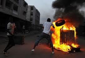 A l'heure où des constitutionnalistes mettent le feu au Sénégal ! (Abdoulaye Diop)