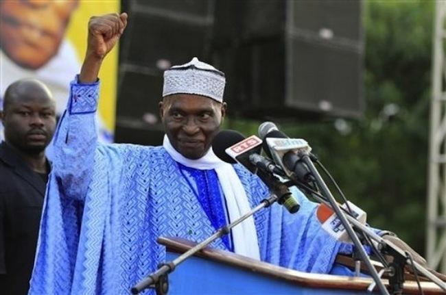 Des artistes sénégalais vont à la soupe du candidat Wade (le commentaire du jour de Cheikh Yérim Seck).