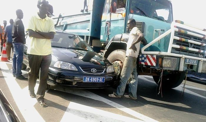 Accident sur l'autoroute à péage (photos )