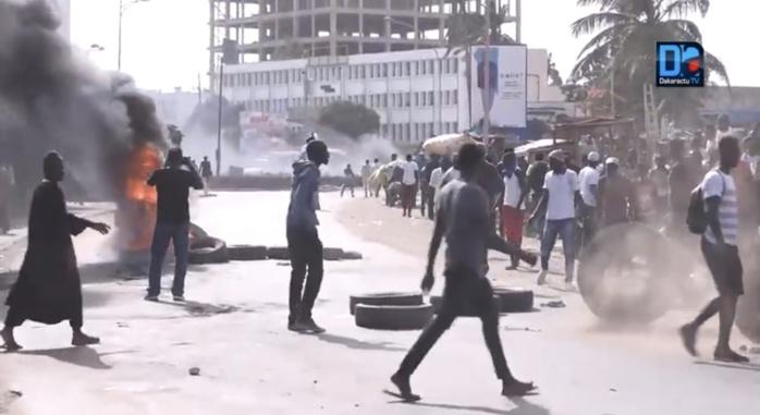 Retard des bourses : Un étudiant blessé à Ziguinchor lors d'une manifestation.