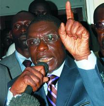 Politique:  Farba Senghor menace Youssou Ndour.