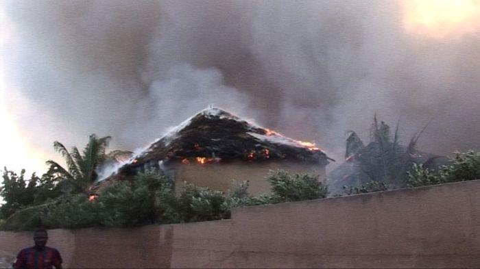 Photos exclusives de l'incendie d'hier à Saly