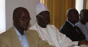 """Quelle logique dans """"'lunité""""  et le """"rassemblement"""" de """"Benno Siggil Sénégal"""" ? (Oumar Sy)"""