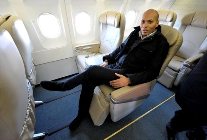 Qu'en est-il de l'avion privé à bord duquel se déplace Karim Wade ?