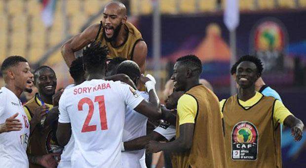 CAN 2019 : La Guinée assure face au Burundi (2-0) et espère se qualifier comme meilleur troisième.