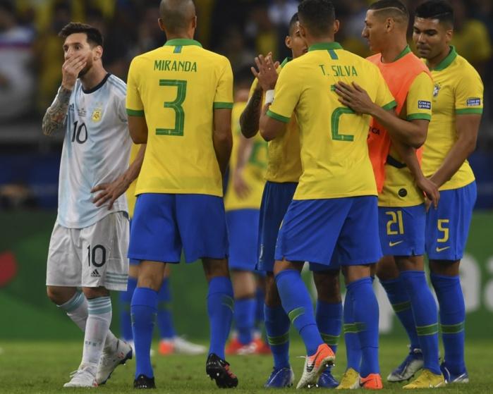 Copa America : Le Brésil domine l'Argentine de Messi (2-0) et se qualifie en finale.