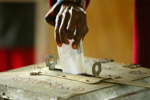 """Ma carte, ma caution"": le slogan d'Aïda Mbodji a du mal à accrocher."