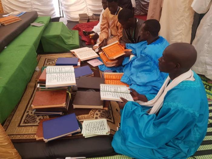 (IMAGES) Cheikh Bassirou Mbacké Abdou Khadre Mbacké reçu à l'UCAD par les dahiras «Mawahibul Akyass» et «Majmahu Nureyni».