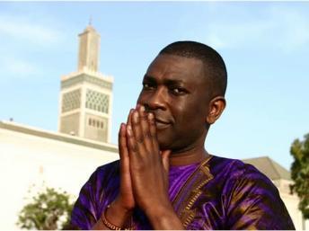 Youssou N'Dour réfléchit à une possible candidature
