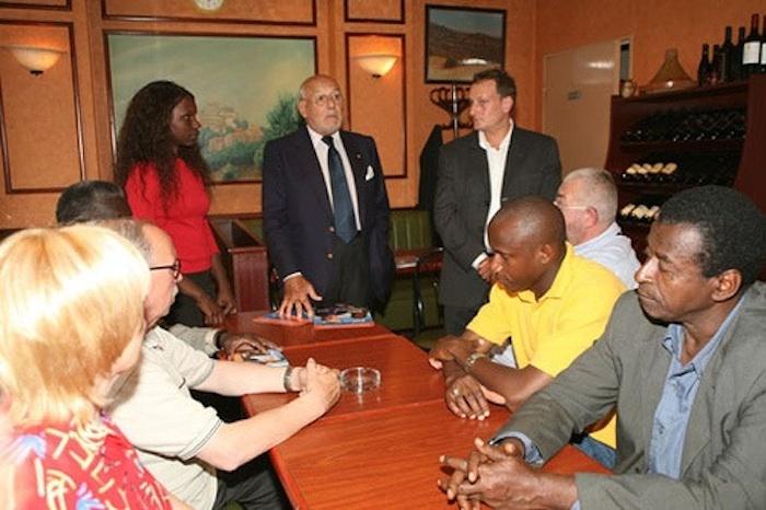 Macky Sall prend à Abdoulaye Wade un de ses plus importants amis français