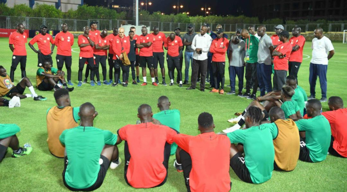 Le Sénégal à la CAN 2019 : Matar Bâ, à la fois ministre des Sports et supporter Nº1 des Lions.