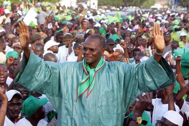 Ousmane Tanor Dieng décoré pour son sens de la bonne gouvernance