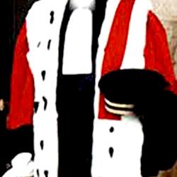 Les juges constitutionnels payés à ne rien faire