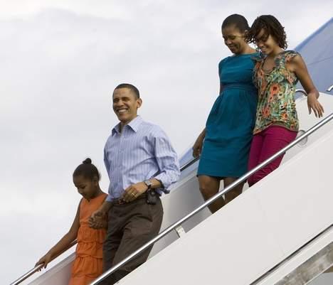 Polémique autour du coût des vacances des Obama