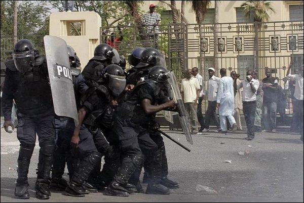 Un demi-milliard pour du matériel anti-émeute.