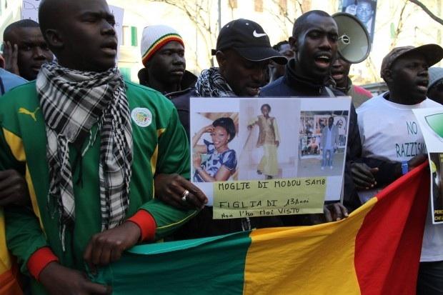 Sénégalais tués en Italie: manifestation à Florence contre le racisme (PHOTOS)