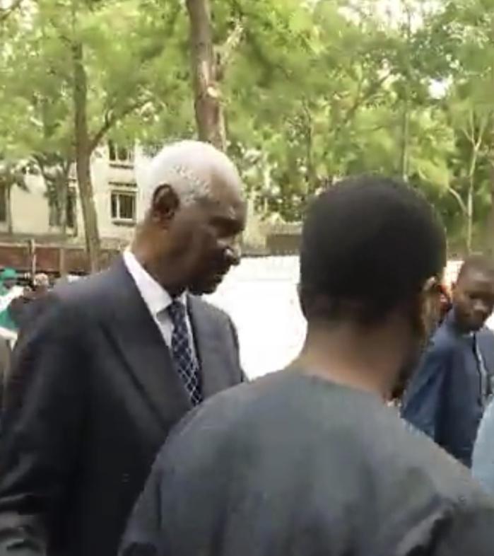 Levée du corps de Ousmane Tanor Dieng à Paris : Le président Abdou Diouf sur place