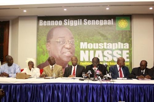 Moustapha Niasse compte ses soutiens et dévoile son programme.