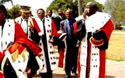 Aux hauts magistrats : 14 millions de vies valent-elles 5 millions de FCFA ? (Issakha)