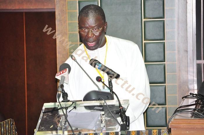 Babacar Gaye: ''Plus de 80 partis et 570 mouvements soutiennent le président Wade''