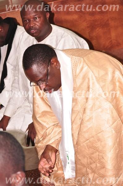 Macky Sall, Alioune Badara Cissé et Alioune Tine prient en marge du colloque sur le soufisme. Pour le départ de Wade ?