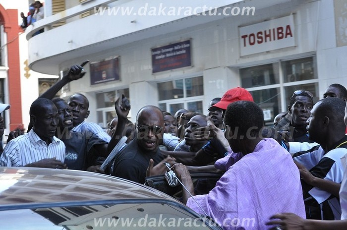 Barthélémy Dias transféré dans des conditions tumultueuses (Regardez les images)