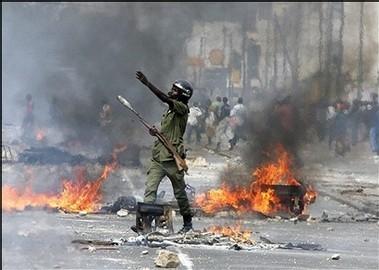 Dernière minute: Vive tension jeunes socialistes et police devant la mairie de Dakar