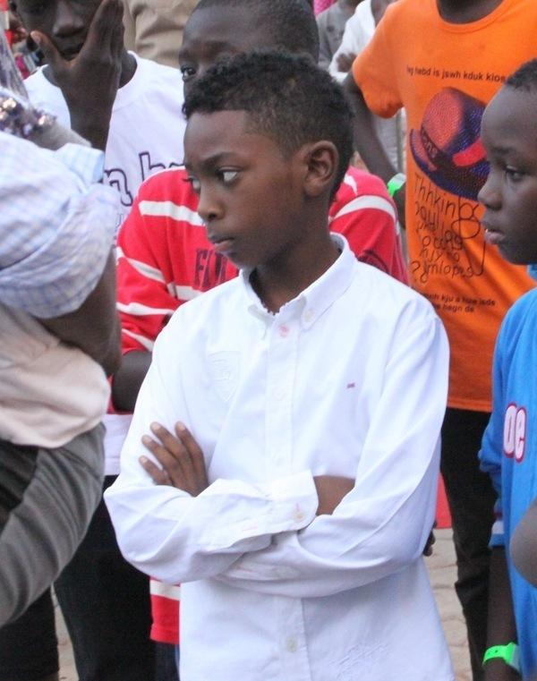 F te du 31 d cembre bouba ndour veut surprendre son grand fr re youssou ndour et son ex femme - Comment surprendre sa copine ...