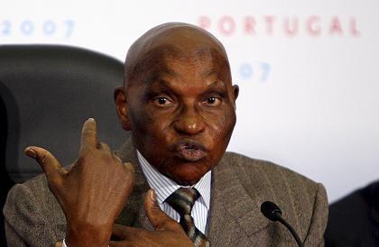 Les mots n'ont aucun effet sur Abdoulaye Wade, il faut agir!