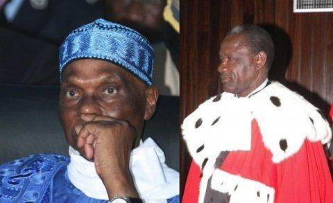 Le Collectif des anciens de l'Ujtl promet de carboniser le Sénégal si la candidature de Wade est invalidée.