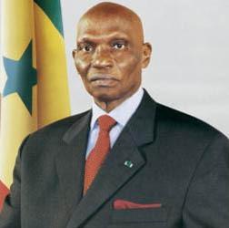 """Président Wade : """"La dévolution du pouvoir en République trouve sa source dans le choix des citoyens"""""""