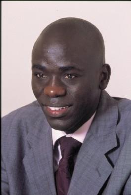 """Cheikh Yérim Seck n'a jamais écrit l'article """"Pape Diop hué au Diakarlo""""."""