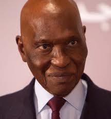 «Je suis là et bien là» (Abdoulaye Wade)