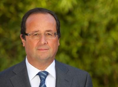 Hollande apporte son soutien à Ousmane Tanor Dieng