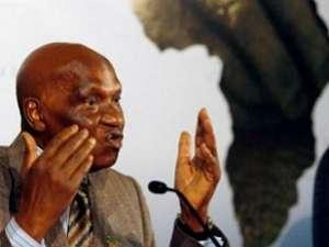 Abdoulaye Wade à RFI: «Si je dois me retirer, je le ferai en beauté.»