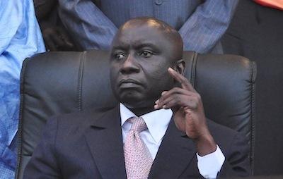 Le pouvoir retiré à Me Wade pour être remis à Idrissa Seck