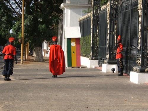 Pour une dette de 30 millions qu'il réclame au président Wade, Abou Gningue finit à la gendarmerie de Thiong.
