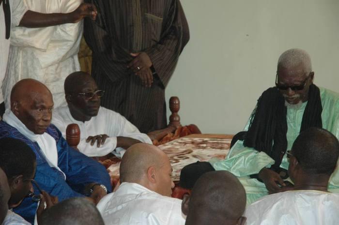 Abdoulaye Wade reviendra-t-il de Touba avec un Ndiguël ?