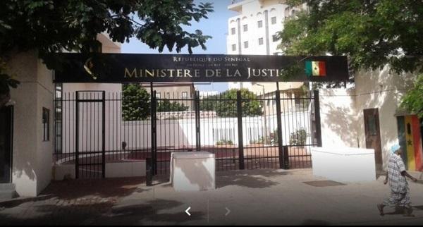 Scandale à la direction des affaires civiles et du sceau du ministère de la Justice : Un agent vendait la nationalité sénégalaise à un million de Fcfa, la Sr cerne la mafia.