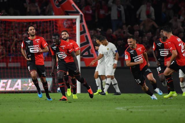 Ligue 1 française : Mbaye Niang buteur lors de la victoire de Rennes sur le PSG (2-1)