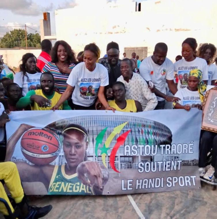 Astou Traoré a rendu visite aux basketteurs handicapés de la Ville de Thiès