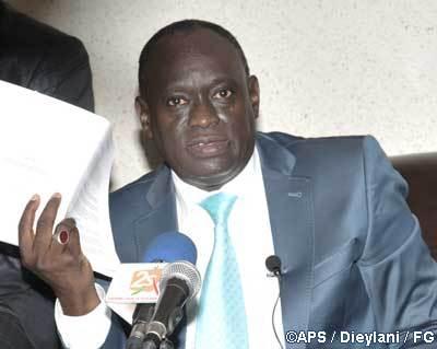 El Hadj Diouf annonce son retrait en faveur de Moustapha Niasse