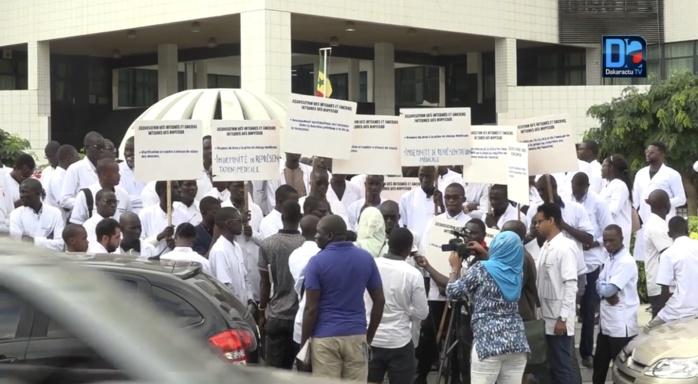 Prélèvement « exagéré » de l'impôt sur salaire : Les médecins en colère !