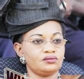 Aïda Mbodji remet un chèque de 65 millions à Wade pour lui servir de caution