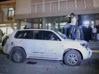 Le siège du CNT à Benghazi saccagé par des manifestants libyens