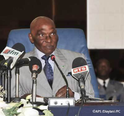 Le président Wade augmente les indemnités des élus locaux